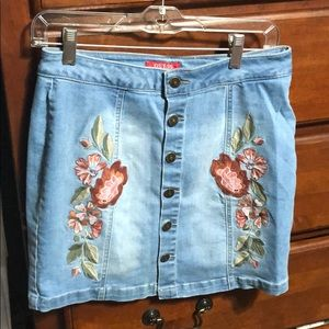 Guess denim skirt size medium